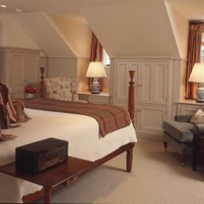 master-bedroom-closed