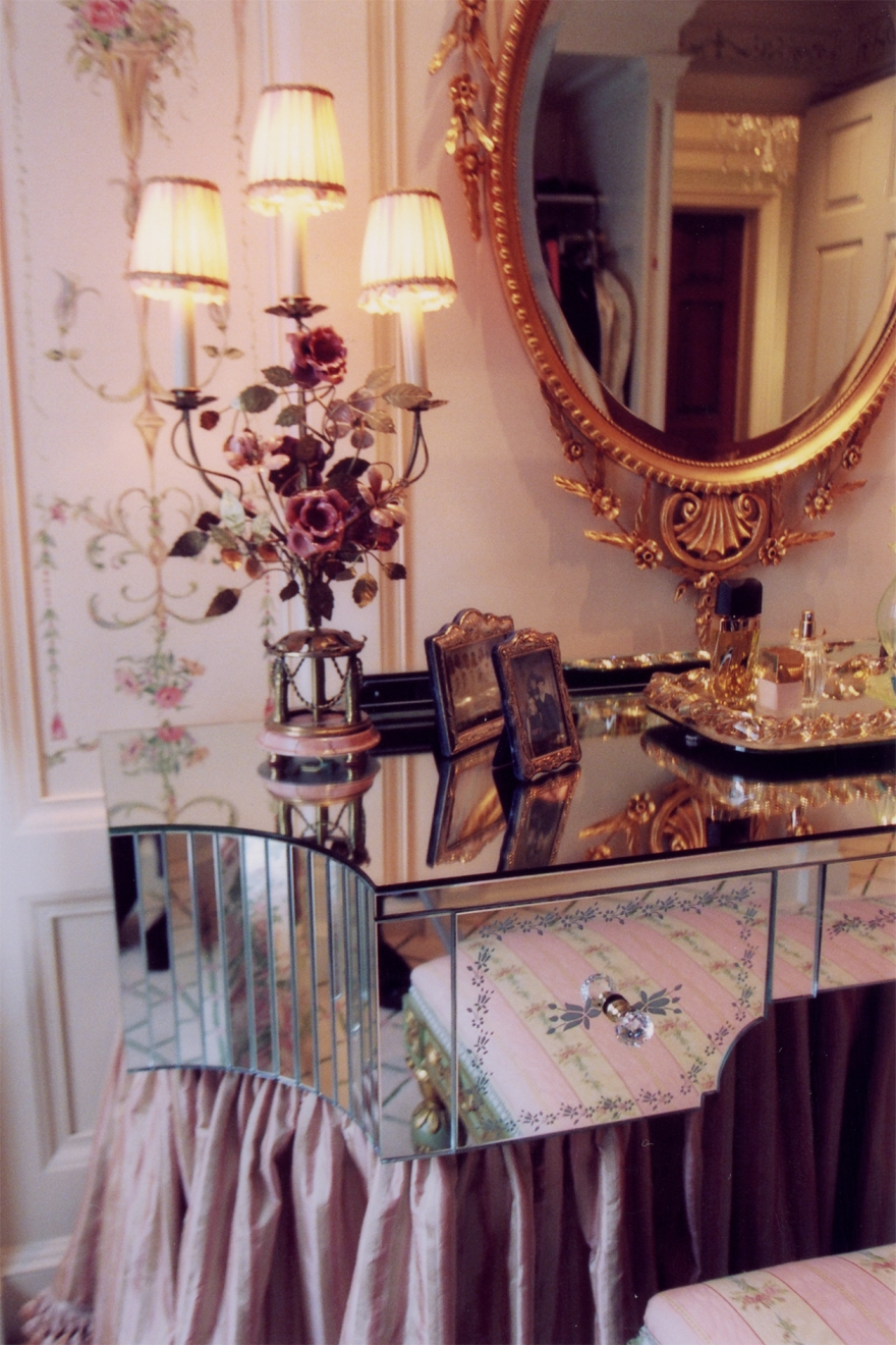 Katherine Dressing Table Photo 1.jpg